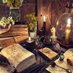 Libros y barajas esotéricas